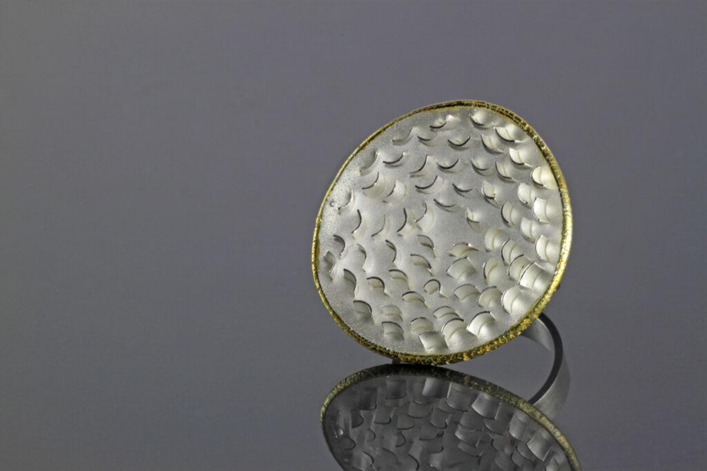 Zilveren ring Embrace & Open Up. Uit de aarde collectie. Unica.